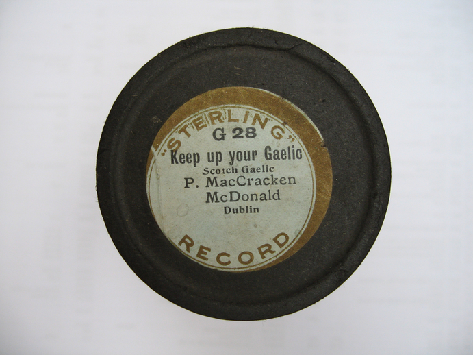 Sterling cylinder lid.  Keep up your Gaelic : P. MacCracken McDonald / Henri Chamoux
