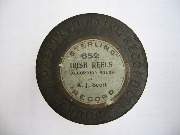 Sterling cylinder box lid.  Irish reels : A. J. Scott / Henri Chamoux