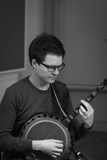 Jonas Fromseier, banjo, 2013 / Danny Diamond