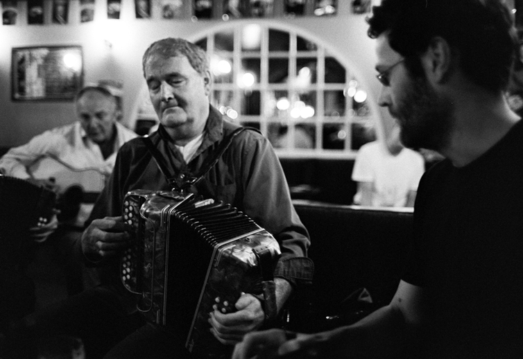Séamus Begley, accordion, and Eoin Begley, concertina / Danny Diamond