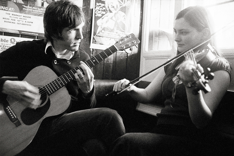 John Mc Intyre, guitar, and Zoe Conway, fiddle / Danny Diamond