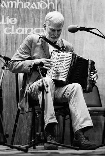 Charlie Harris, accordion, 2011 / Danny Diamond