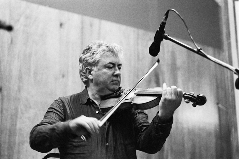 Gerry O'Connor, fiddle, 2011 / Danny Diamond