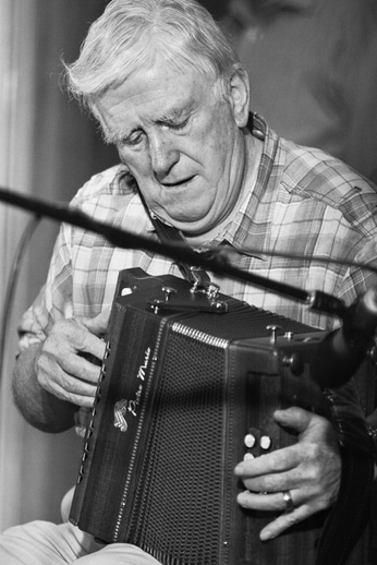Bobby Gardiner, accordion, 2010 / Danny Diamond