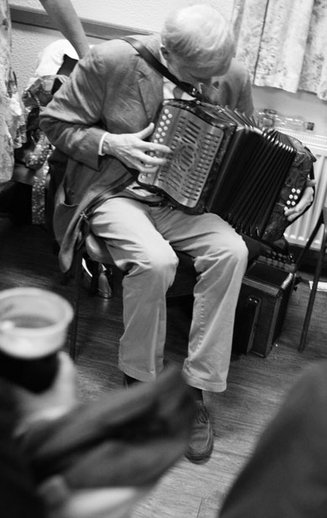 Charlie Harris, accordion, 2010 / Danny Diamond