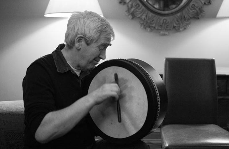 Seamus O'Kane, bodhrán, 2010 / Danny Diamond