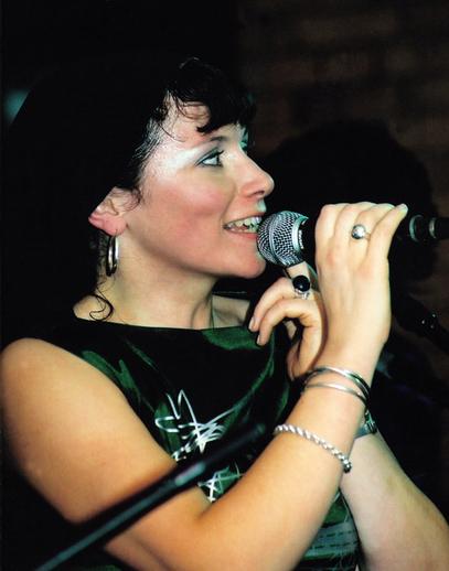 Cathy Jordan, singing / Steven de Paoire