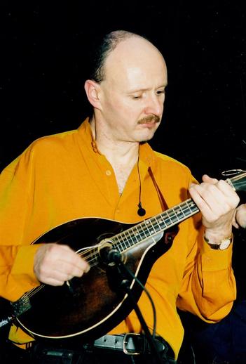 Brian McDonagh, mandola / Steven de Paoire