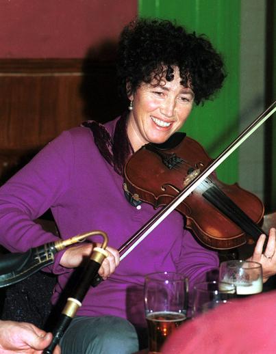 Edel McWeeney, fiddle / Steven de Paoire