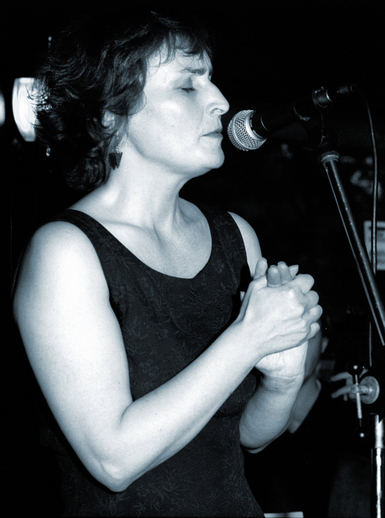 Finola Ó Siochrú, singer / Steven de Paoire