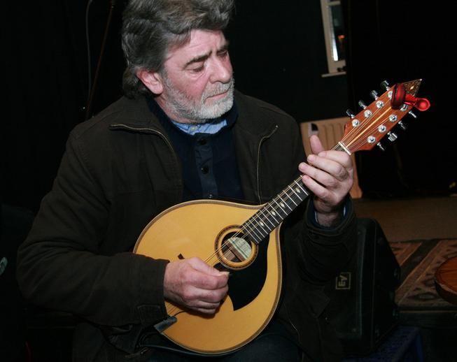 Frank Cullen, mandolin / Steven de Paoire
