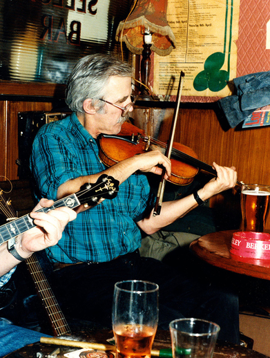 Johnny Moynihan, fiddle / Steven de Paoire