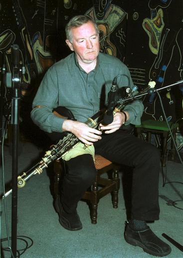 Liam Óg O'Flynn, pipes / Steven de Paoire
