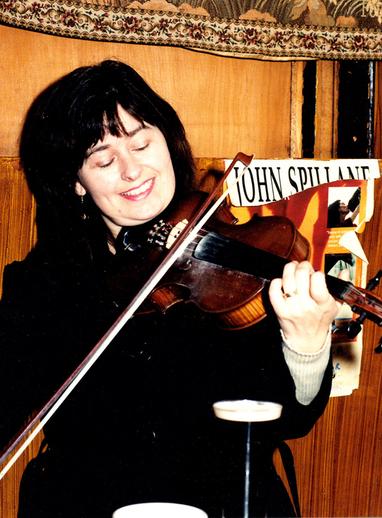 Lorraine Hickey, fiddle / Steven de Paoire