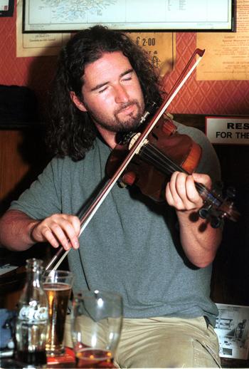 Malachy Bourke, fiddle / Steven de Paoire