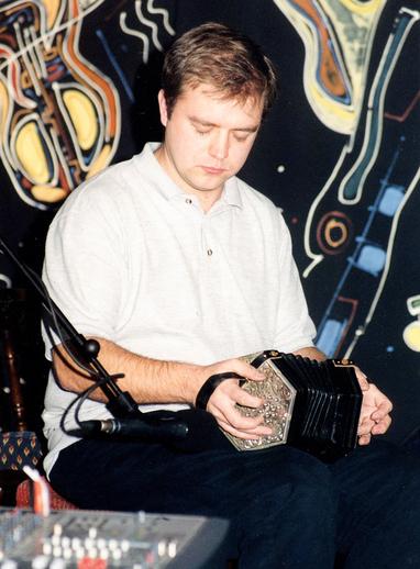 Mícheál Ó Raghallaigh, concertina / Steven de Paoire