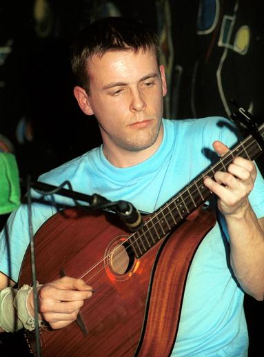 Mick Broderick, mandola / Steven de Paoire