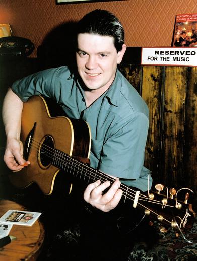 Shane McGowan, guitar / Steven de Paoire