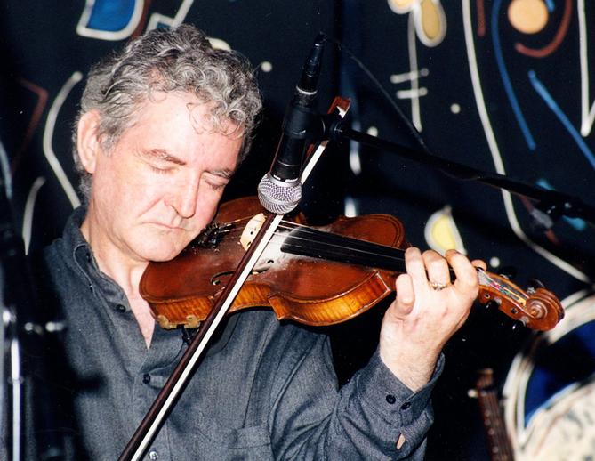Tommy Peoples, fiddle / Steven de Paoire
