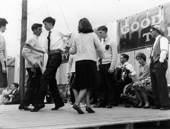 Unidentified group of dancers at the Fleadh Cheoil, Gorey, 1962 / Bord Fáilte