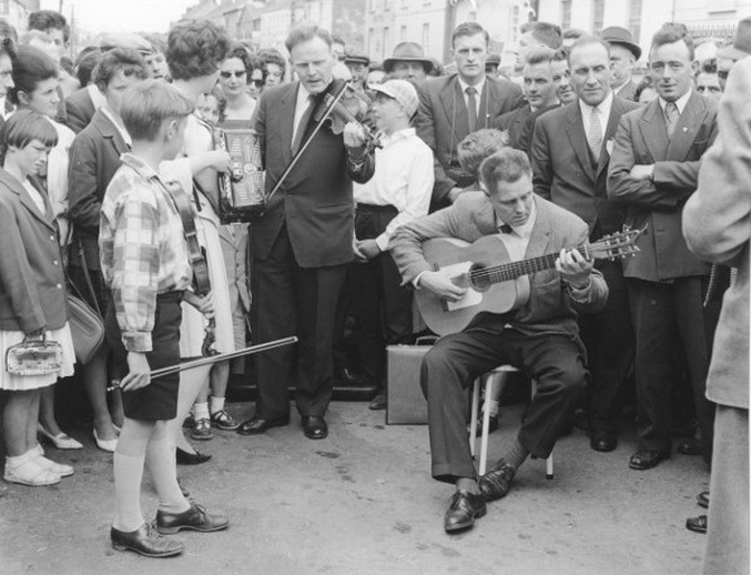 Group of musicians at the Fleadh Cheoil, Gorey, 1962 / Bord Fáilte