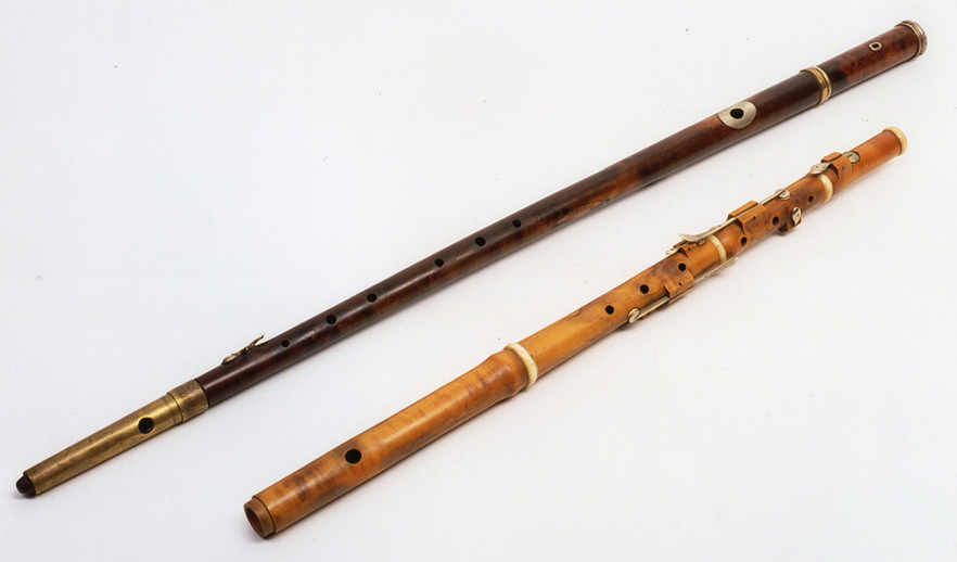 Two flutes / ITMA photographer