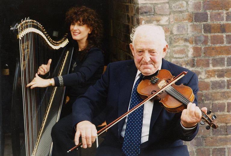 Máire Ní Chathasaigh & Paddy Canny, Ceoltóir na Bliana 2001 & Gradam Saoil 2001