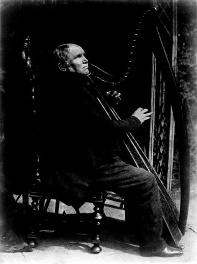 Patrick Byrne, harper, singer, 1845 / David Octavius Hill & Robert Adamson