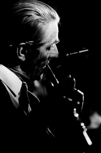 Packie Duignan, flute, 1977 / Joe Dowdall