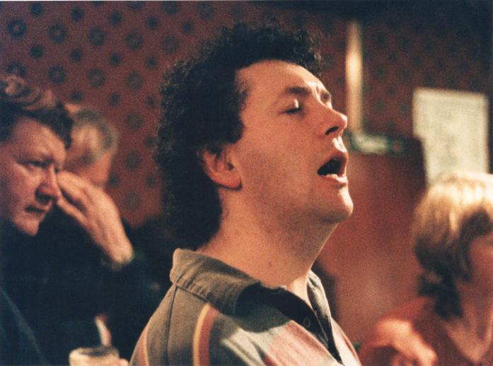 Antaine Ó Faracháin, singer, 1997 / Ken Garland