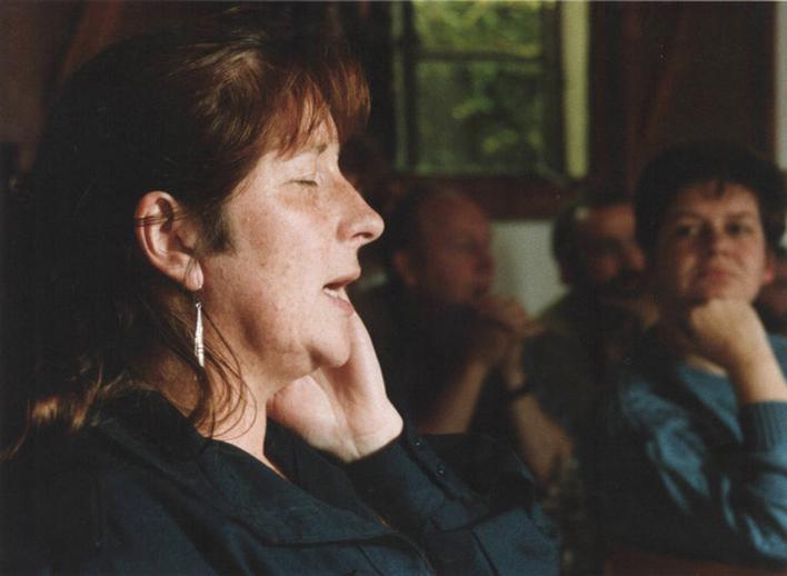 Mary MacGannon, singer, 1992 / Ken Garland