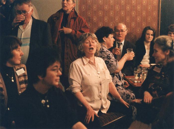 Alison MacMorland, singer, 1999 / Ken Garland