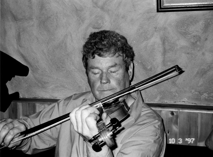 Vincent Campbell, fiddle, 1997 / Mark Jolley