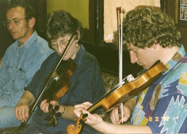 Kathleen & Martin McGinley, fiddles, 1997 / Mark Jolley