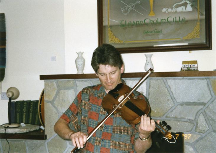 Dermy Diamond, fiddle, 1997 / Mark Jolley