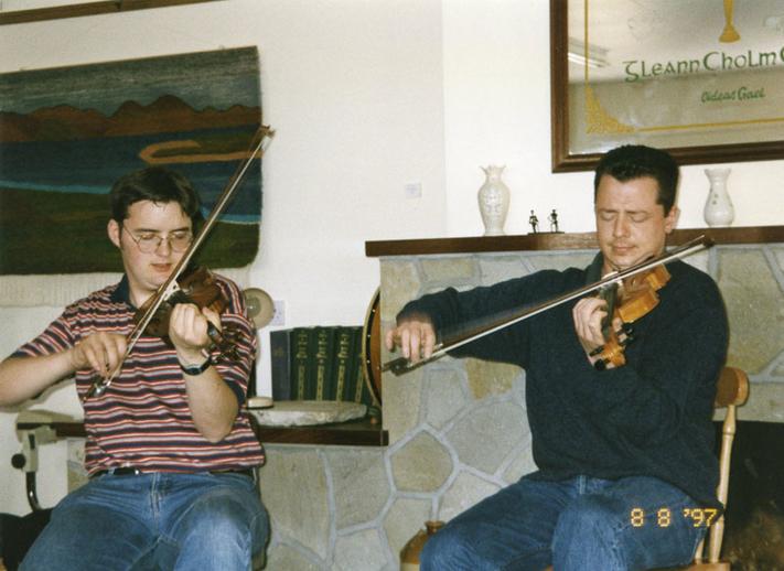 Ronan Galvin & Mick Browne, fiddles, 1997 / Mark Jolley
