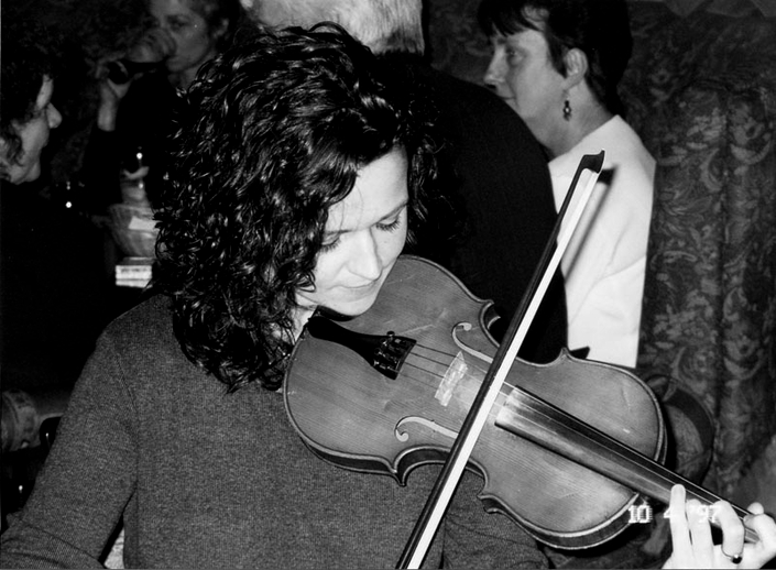 Jo McAuley, fiddle, 1997 / Mark Jolley