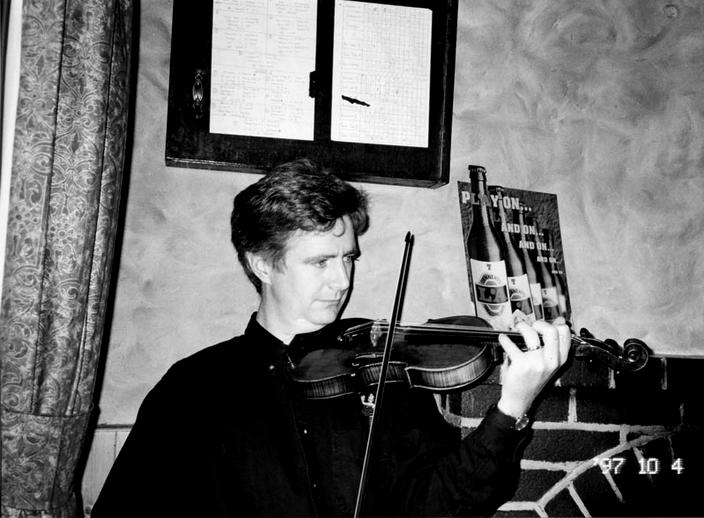 Martin Dowling, fiddle, 1997 / Mark Jolley