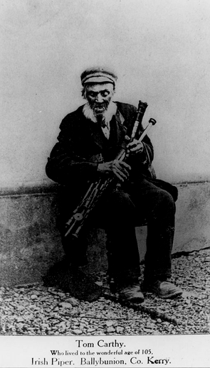 Tom Carthy, uilleann pipes / unidentified photographer