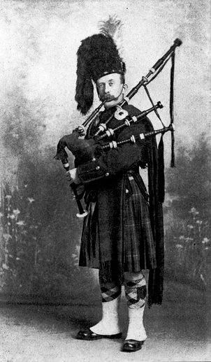 William Walsh, warpipes / unidentified photographer