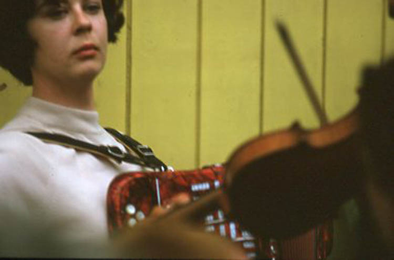 Unidentified, accordion, & others, 1969 / Pádraig Ó Mathúna