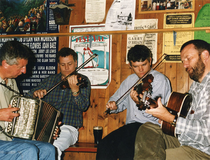 Con 'Fada' Ó Drisceoil, accordion, and others / Terry Moylan