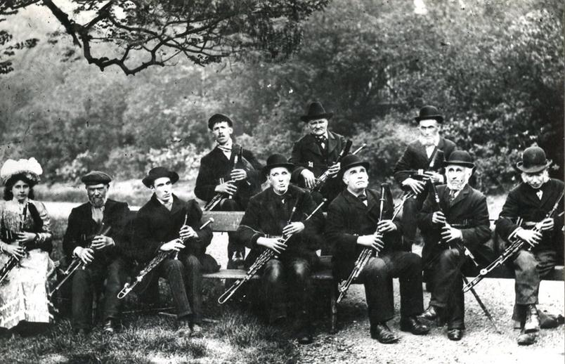 'Pipers of the 19th century' / [unidentified photographer]