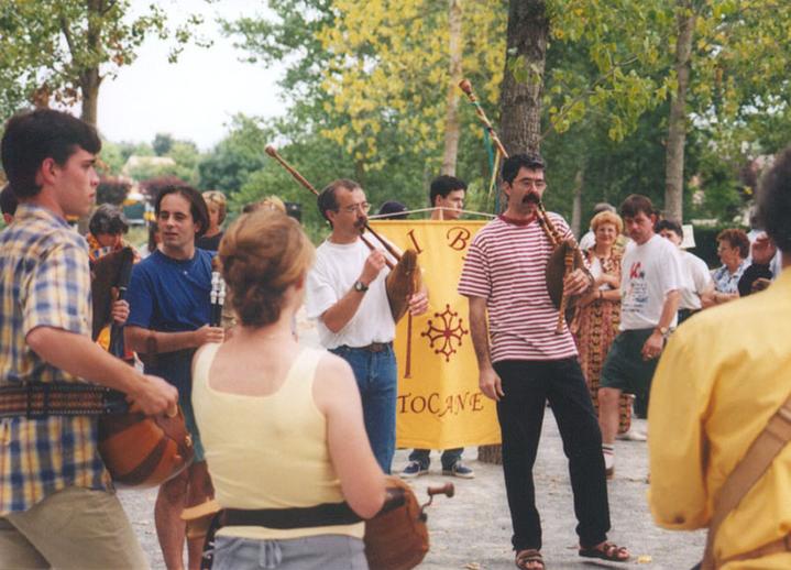 Folk music fête at Tocane, 1998 / Terry Moylan