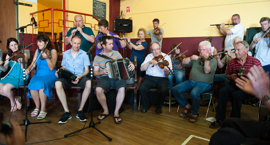Members of the Kilfenora Ceili Band and others / Tony Kearns