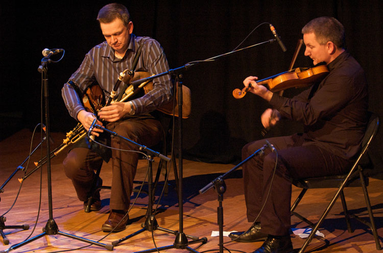Robbie Hannan, uilleann pipes, & others, 2008 / Paul Eliasberg