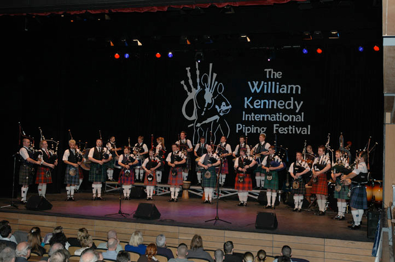 National Youth Pipe Band of Scotland, group, 2004 / Paul Eliasberg