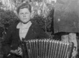 Eddie O'Gara, Donegal Melodeon Player, Glencolmcille, 2011