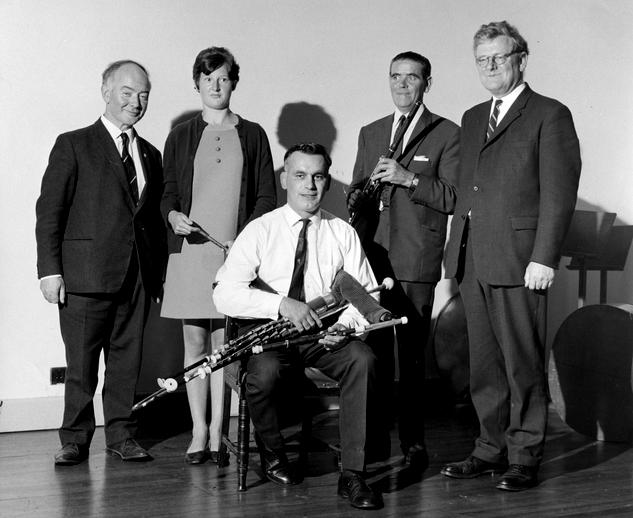 Sean Óg Ó Tuama, Mary Bergin, Tommy Reck, Paddy Taylor & Breandán Breathnach / [unidentified photographer]