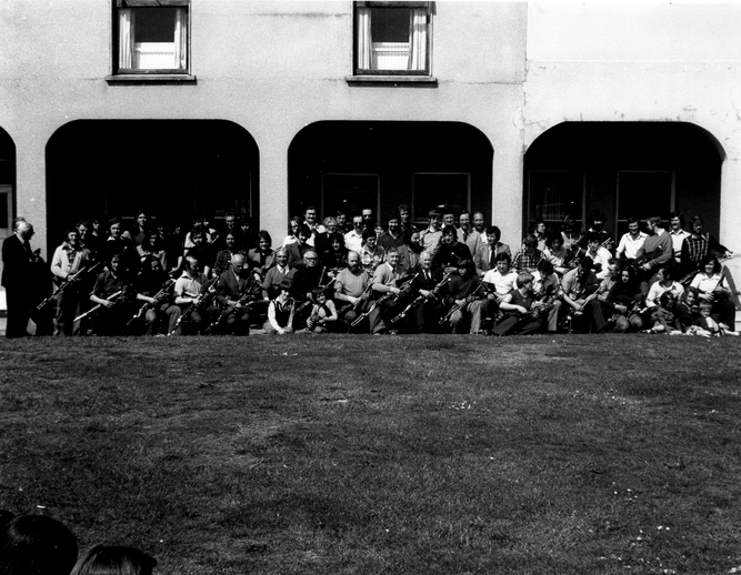 Uilleann pipers, Bettystown, Co. Meath / Liam McNulty, photographer